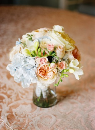 Inglewood Golf Club wedding in Seattle | Pale blue hydrangeas and blush roses and peony centerpiece | Perfectly Posh Events, Seattle Wedding Planning | Mastin Studios | Lola Event Floral & Design