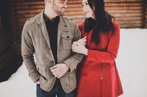 Pacific Northwest Engagement Shoot   Snowy log cabin engagement shoot, PNW   Seattle Wedding Planner, Perfectly Posh Events   Carina Skrobecki Photography
