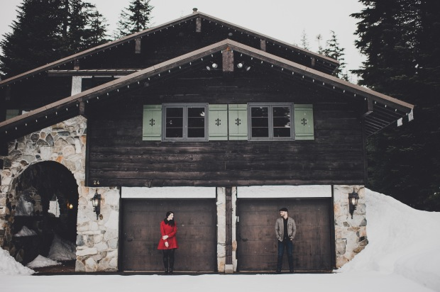 Pacific Northwest Engagement Shoot   PNW Log Cabin and snow engagement shoot   Seattle Wedding Planner, Perfectly Posh Events   Carina Skrobecki Photography