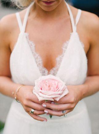Seattle Wedding Planner   Pink rose   Seattle Wedding Coordinator   Blue Rose Photography