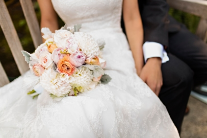 Robinswood House Wedding in Bellevue   Blush, peach, and white bridal bouquet   Perfectly Posh Events, Seattle Wedding Planner   Courtney Bowlden Photography   Sublime Stems
