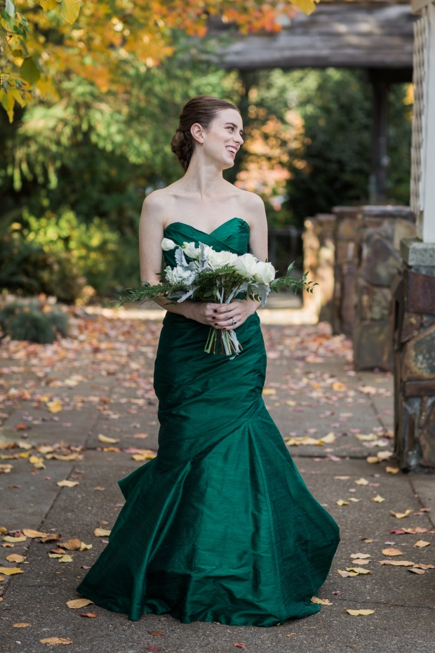 Salish Lodge Wedding in Seattle | Wedding dress alternative, emerald green dress with PNW-esque bridal bouquet | Perfectly Posh Events | Amy Galbraith Photography | Butter & Bloom | Cicada Bridal