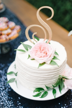 Sweet and simple wedding cake, woodinville wedding planner, Allison Dan Woodinville Wedding by Perfectly Posh Events, Photo by Blue Rose Photography