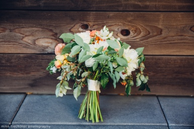 Hotel Ballard Wedding in Seattle | Loose, garden style orange and white bridal bouquet | Perfectly Posh Events, Seattle Wedding Planner | Mike Fiechtner Photography | Floral Design by The London Plane